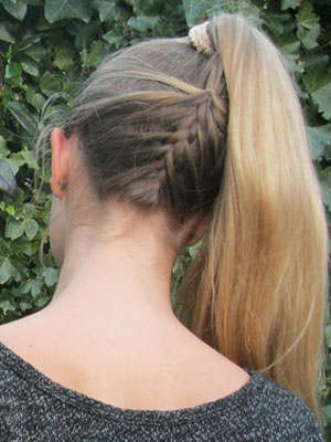 cheveux longs attaches fantaisie